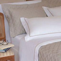 jogo-de-cama-queen-scavone-cetim-300-fios-100-algodao-normandie-caqui-ambientada