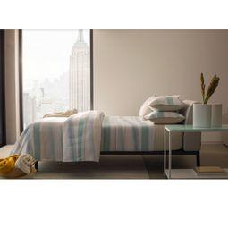 jogo-de-cama-casal-by-the-bed-cetim-300-fios-100-algodao-path-ambientada-01.jpg